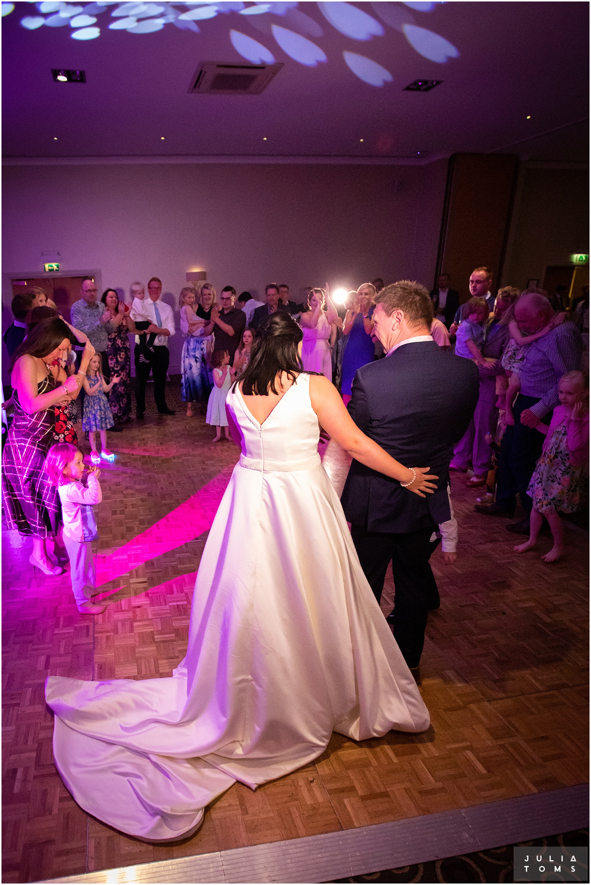 hampshire_wedding_photographer_juliatoms_119.jpg