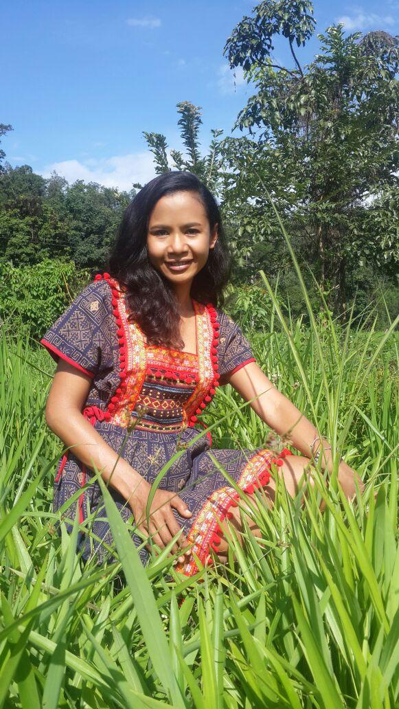 Female Private Thai Tour Guide Nok