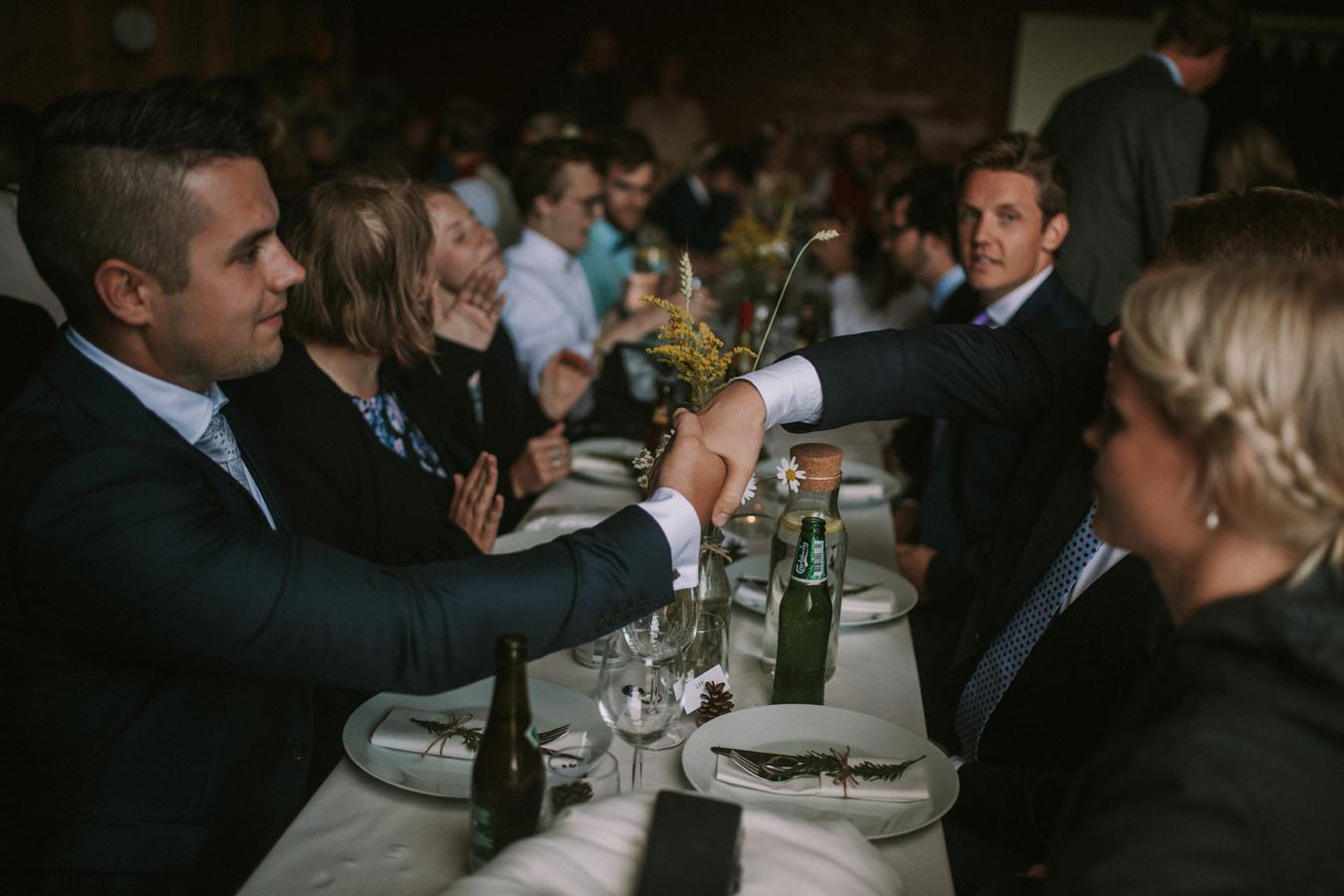 053-bryllupsfotograf-oslo-drobak-laavebryllup-tone-tvedt.jpg