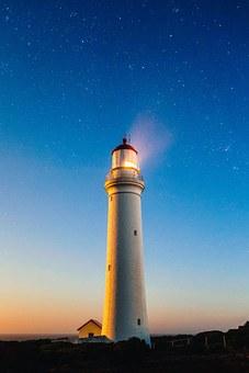 lighthouse-980457__340.jpg