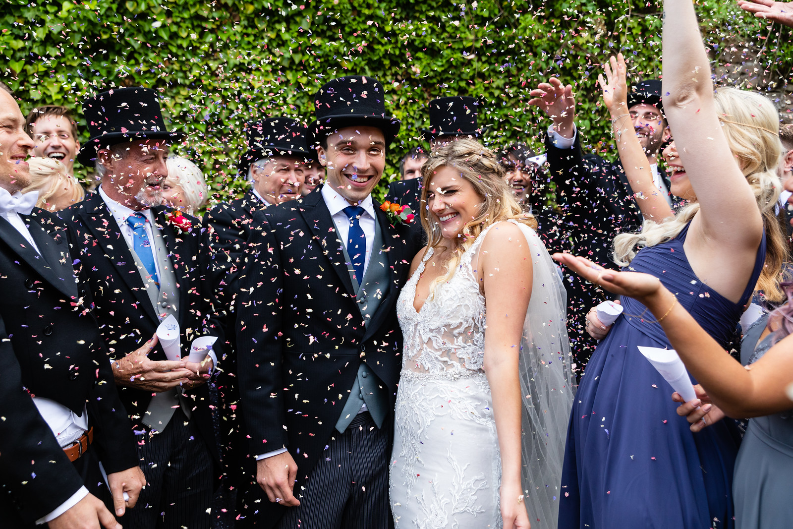 thornbury-castle-wedding-the-planning-lounge -confetti