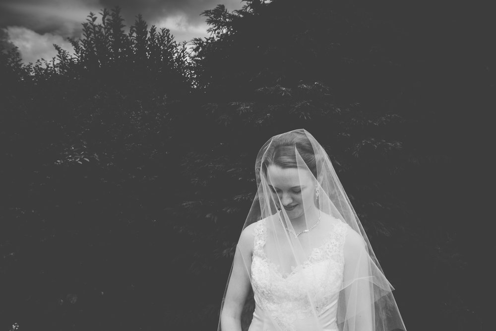 Bittenham-Springs-Outdoor-ceremony-wedding-photography-06.jpg