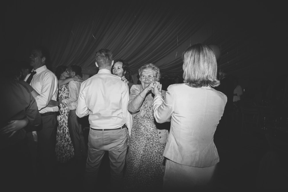 Bittenham-Springs-Outdoor-ceremony-wedding-photography-42.jpg