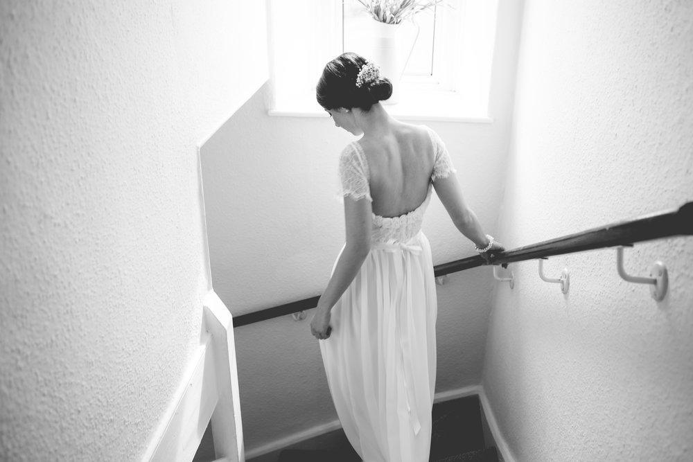 Kingscote-Barn-Wedding-Photography-06.jpg