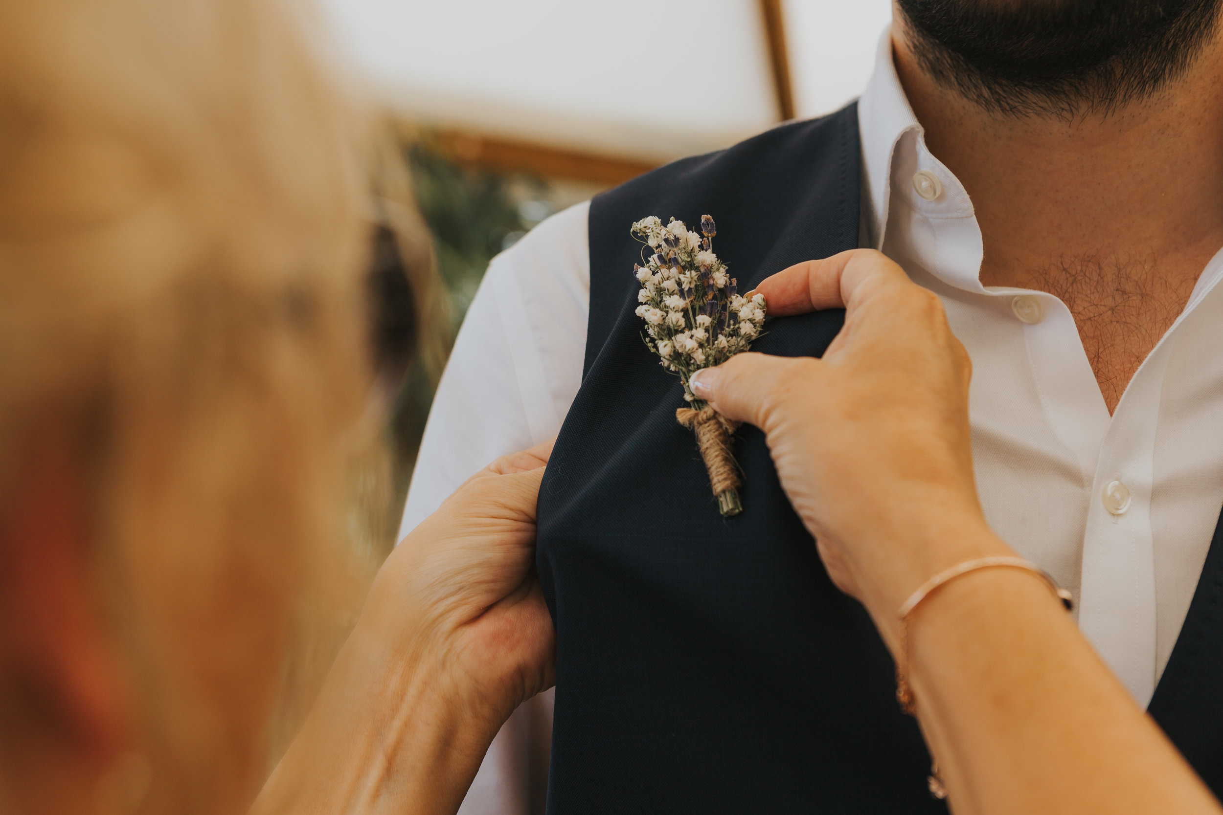 Groom Detail and Inspiration for the Alternative Wedding - Claire Basiuk Photography - 03.jpg