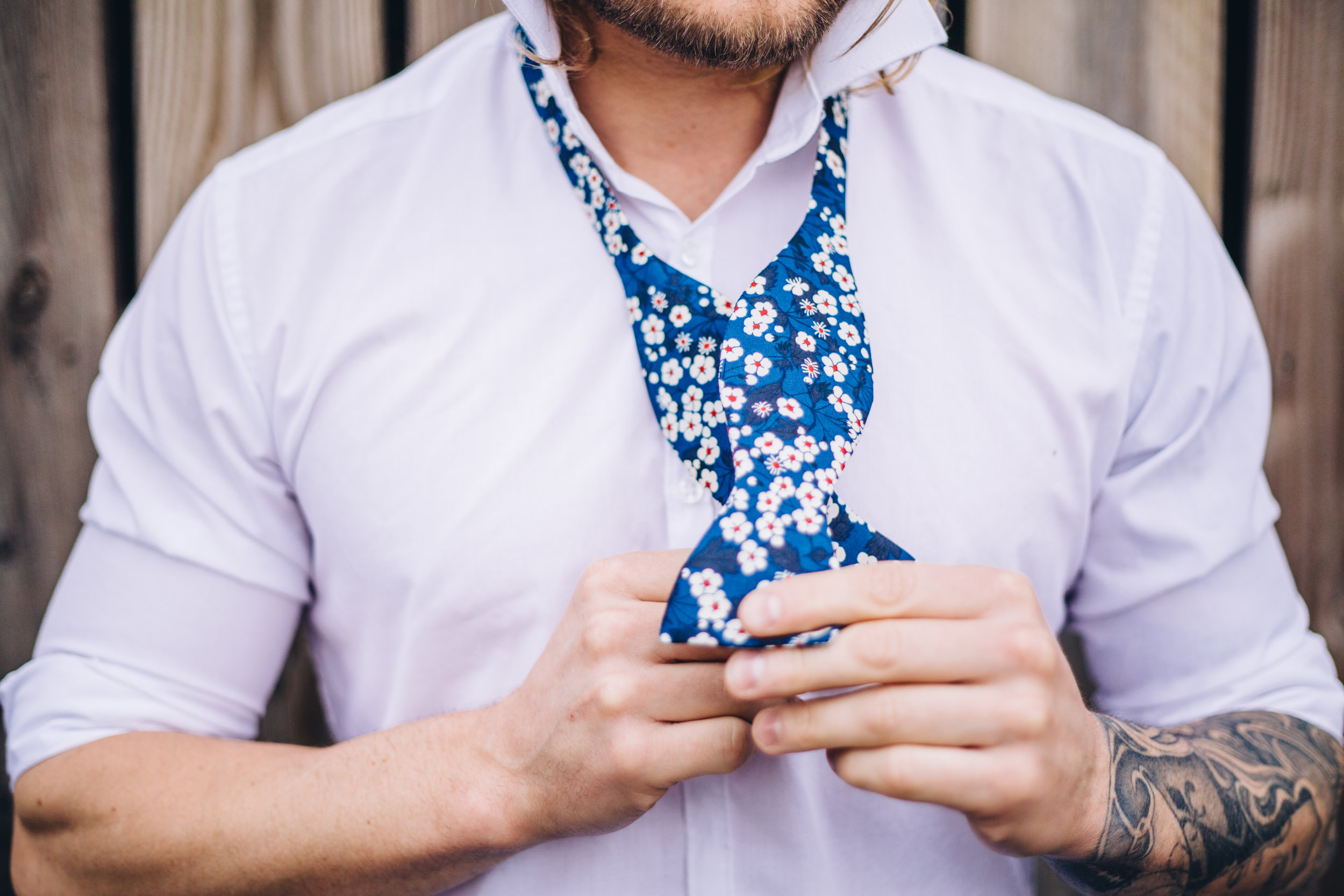 Groom Detail and Inspiration for the Alternative Wedding - Claire Basiuk Photography - 08.jpg