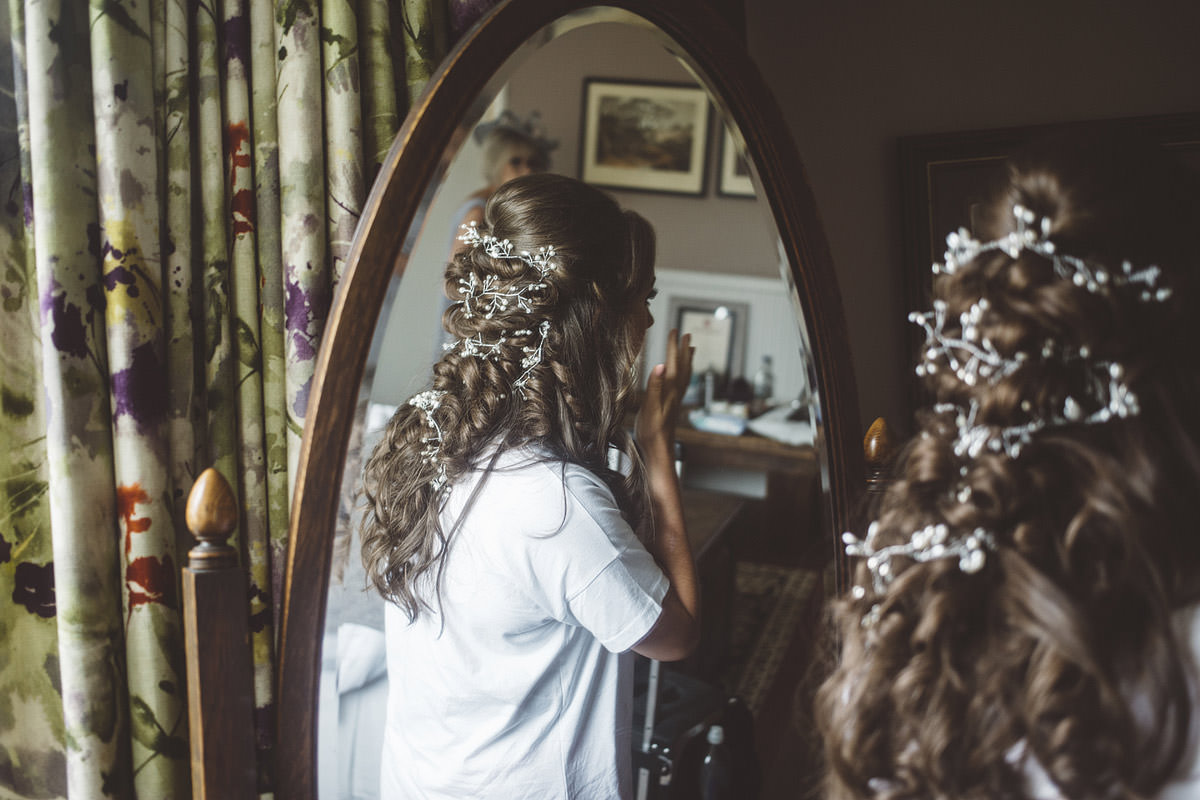 Cholmondeley Arms Tipi Cheshire Wedding Photography - 02.jpg