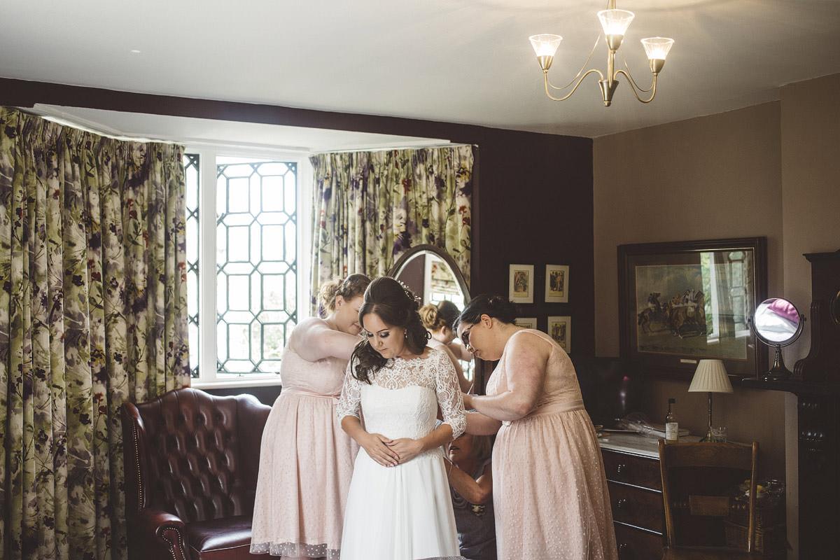 Cholmondeley Arms Tipi Cheshire Wedding Photography - 04.jpg