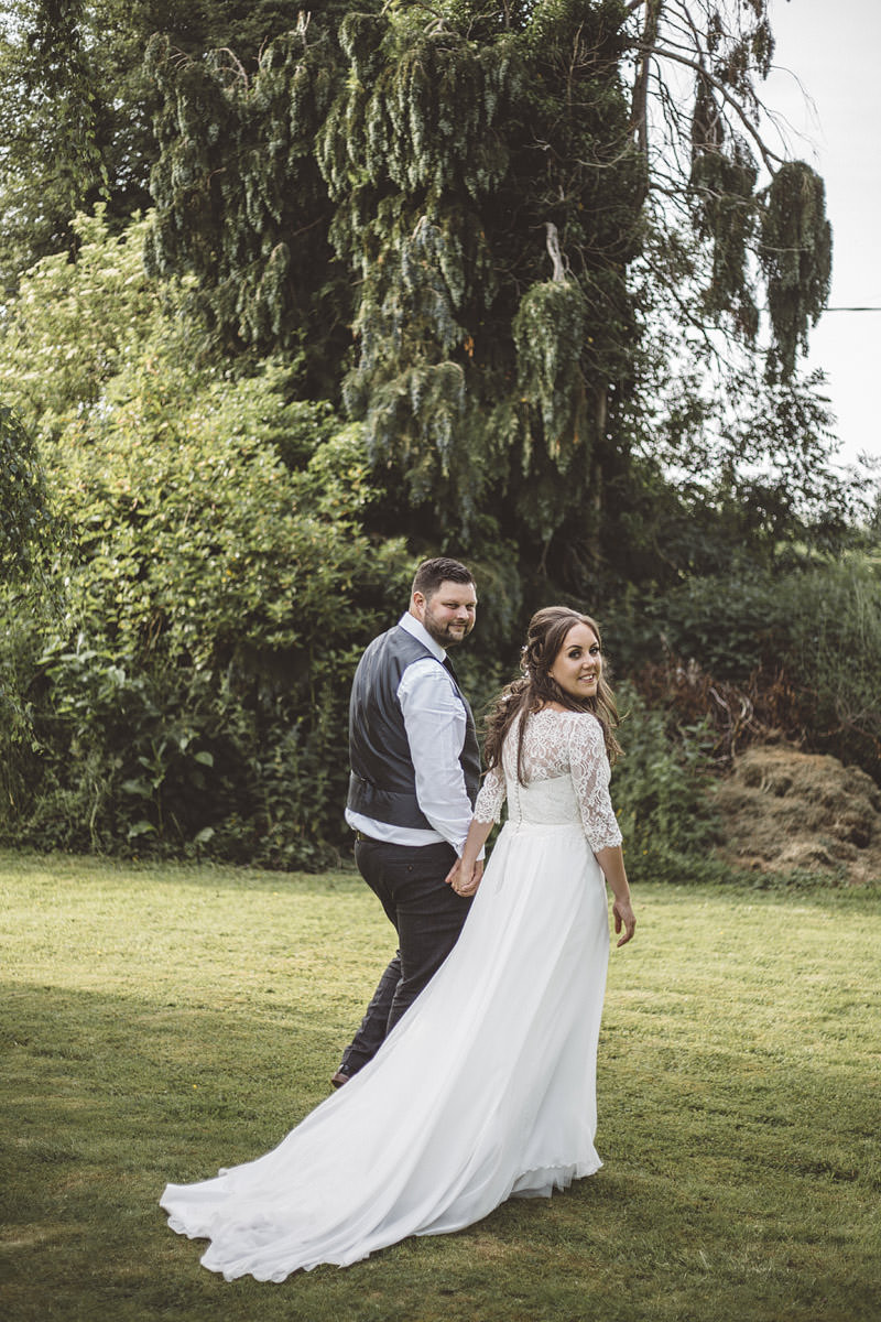 Cholmondeley Arms Tipi Cheshire Wedding Photography - 26.jpg