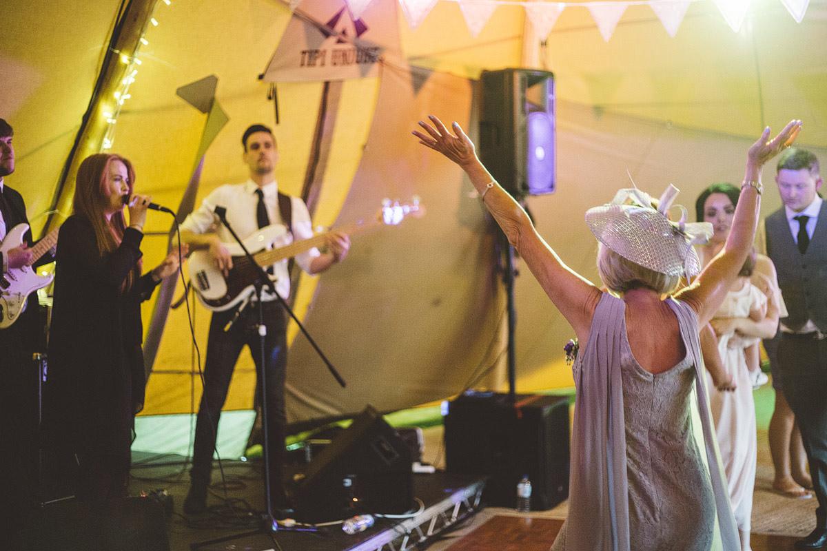 Cholmondeley Arms Tipi Cheshire Wedding Photography - 33.jpg