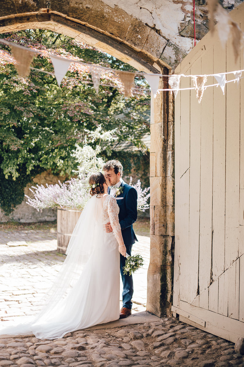 Wyresdale_midweek_Wedding_Photography_-_-60.jpg