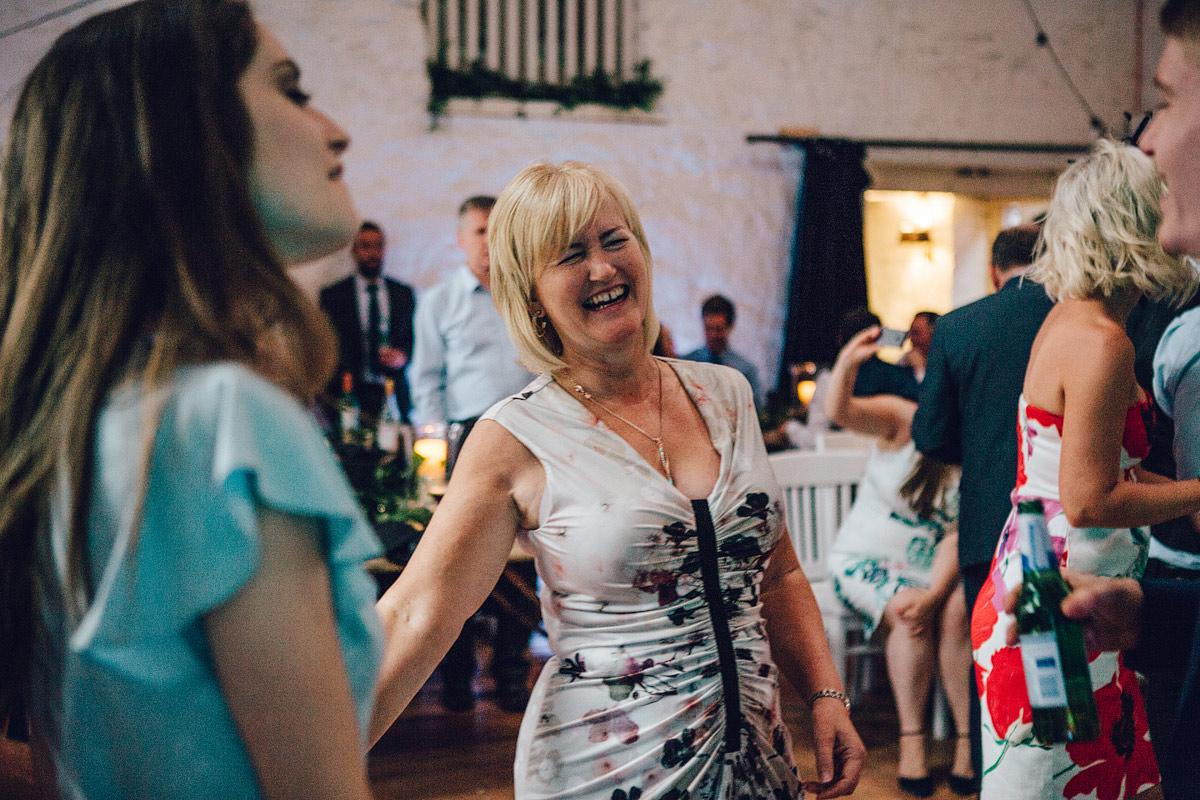 Wyresdale_midweek_Wedding_Photography_-_-105.jpg