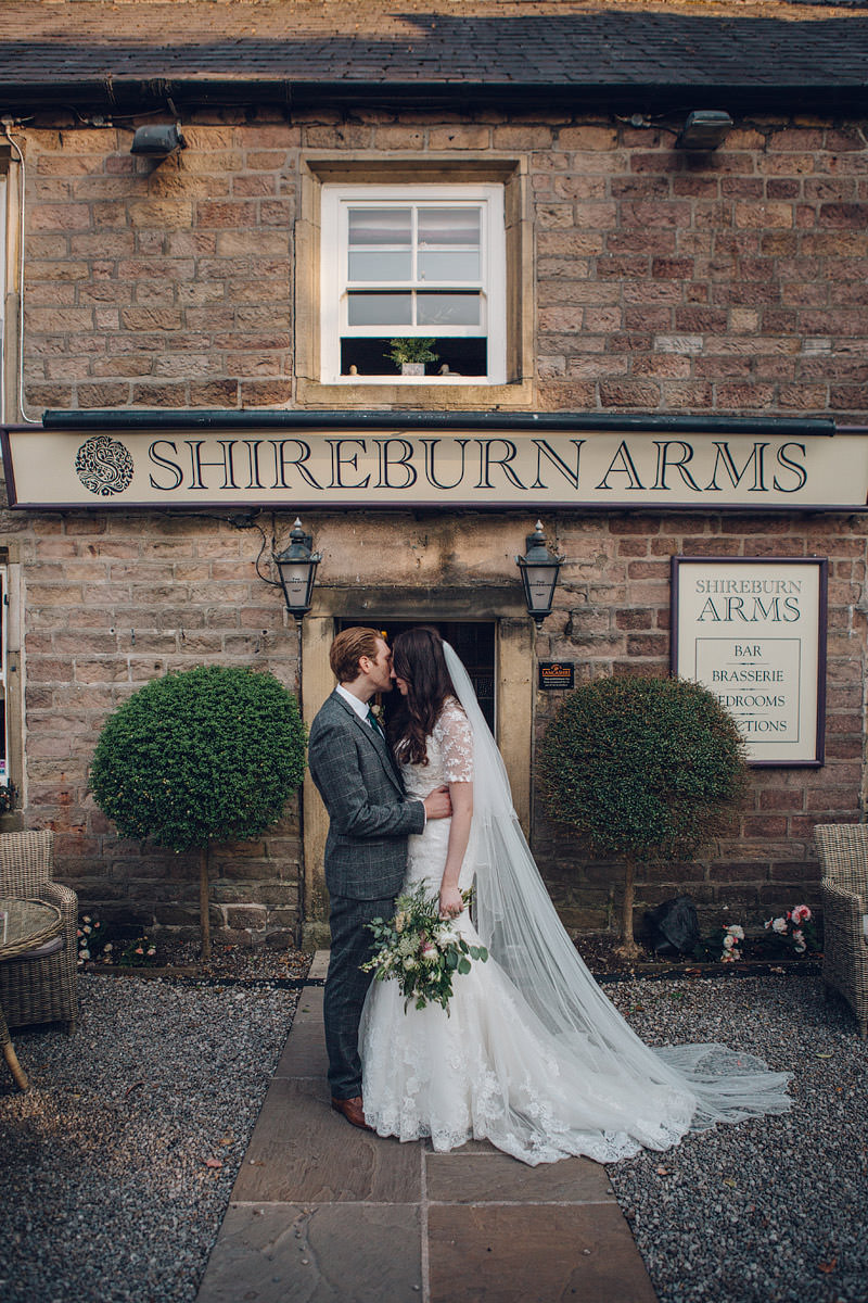 Claire_Basiuk_Shireburn_Arms_Wedding_Photography_-54.jpg