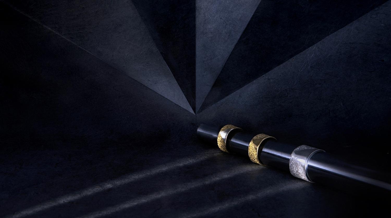 Bagues rubans, bicolore, argent et or, vermeil,motifs géométriques, triangle argent poli.