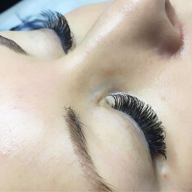 Spring is in the air and summer is soon to follow! Eyelash extensions will help you look put together with very little effort, which means more time for fun in the sun ☀️🌴😎 Call @sirenandproper at (616)427-5394 to book a full set ❤️ #nomoremascara #novalashornothing #sirenandproper #novalashusa #novalasheyelashextensions #grandrapids #fabulashes