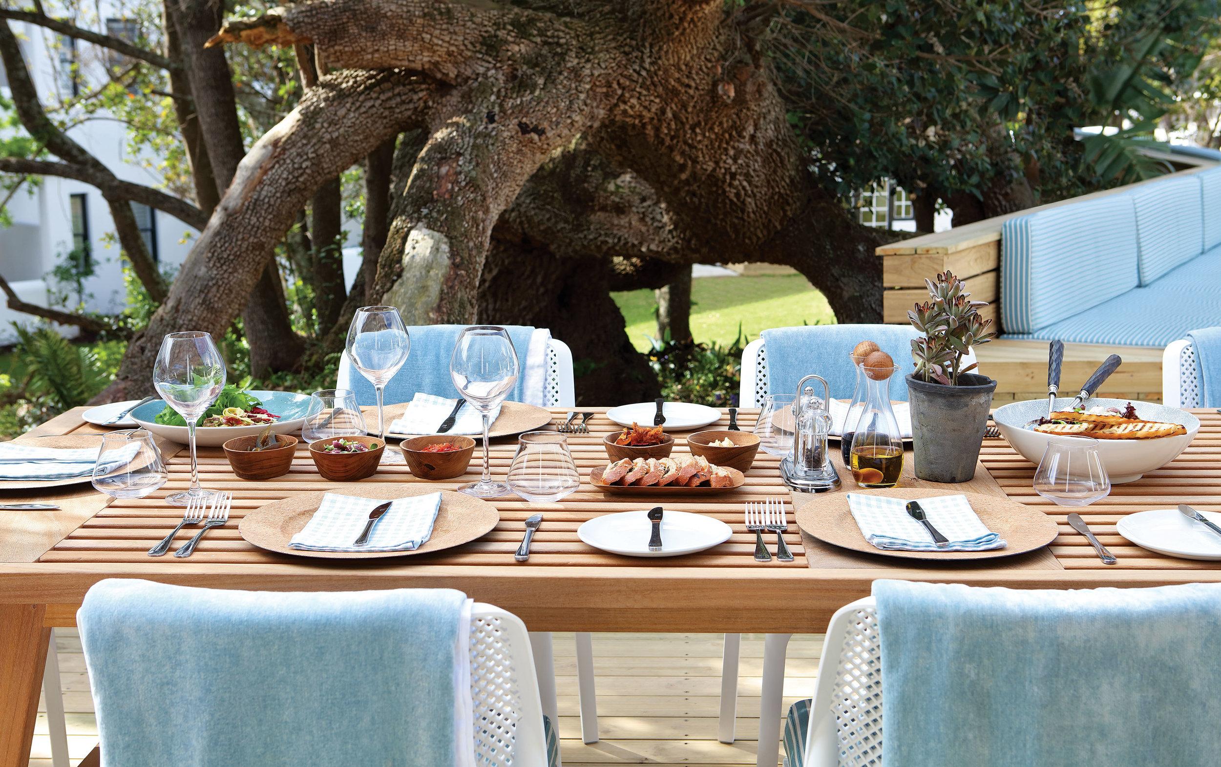 3. or_terrace_lunch.jpg