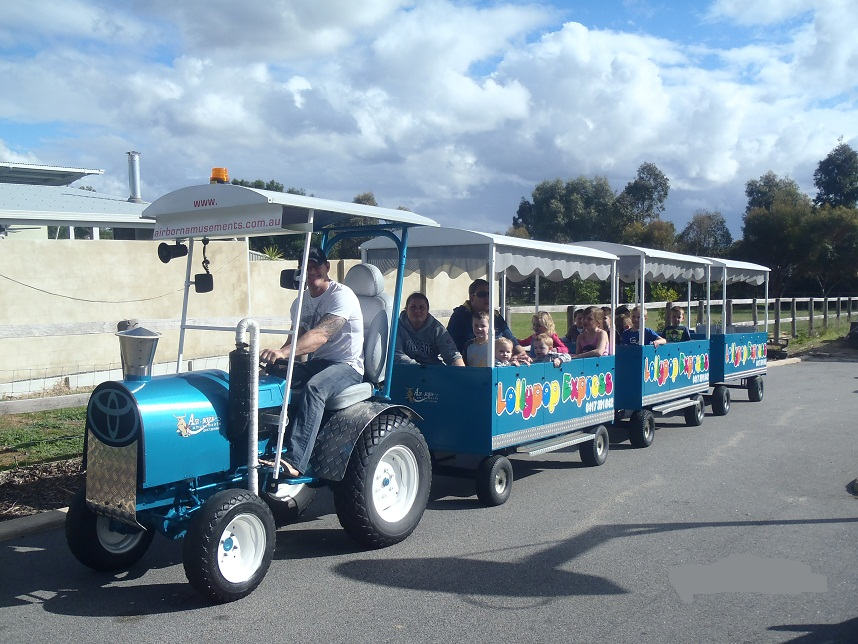Trackless-Train-Hire1.jpg