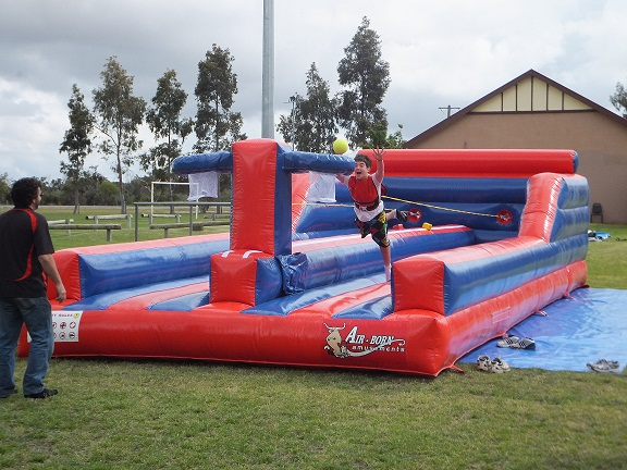 Bungee-Run-Dunk-Hire11111.jpg