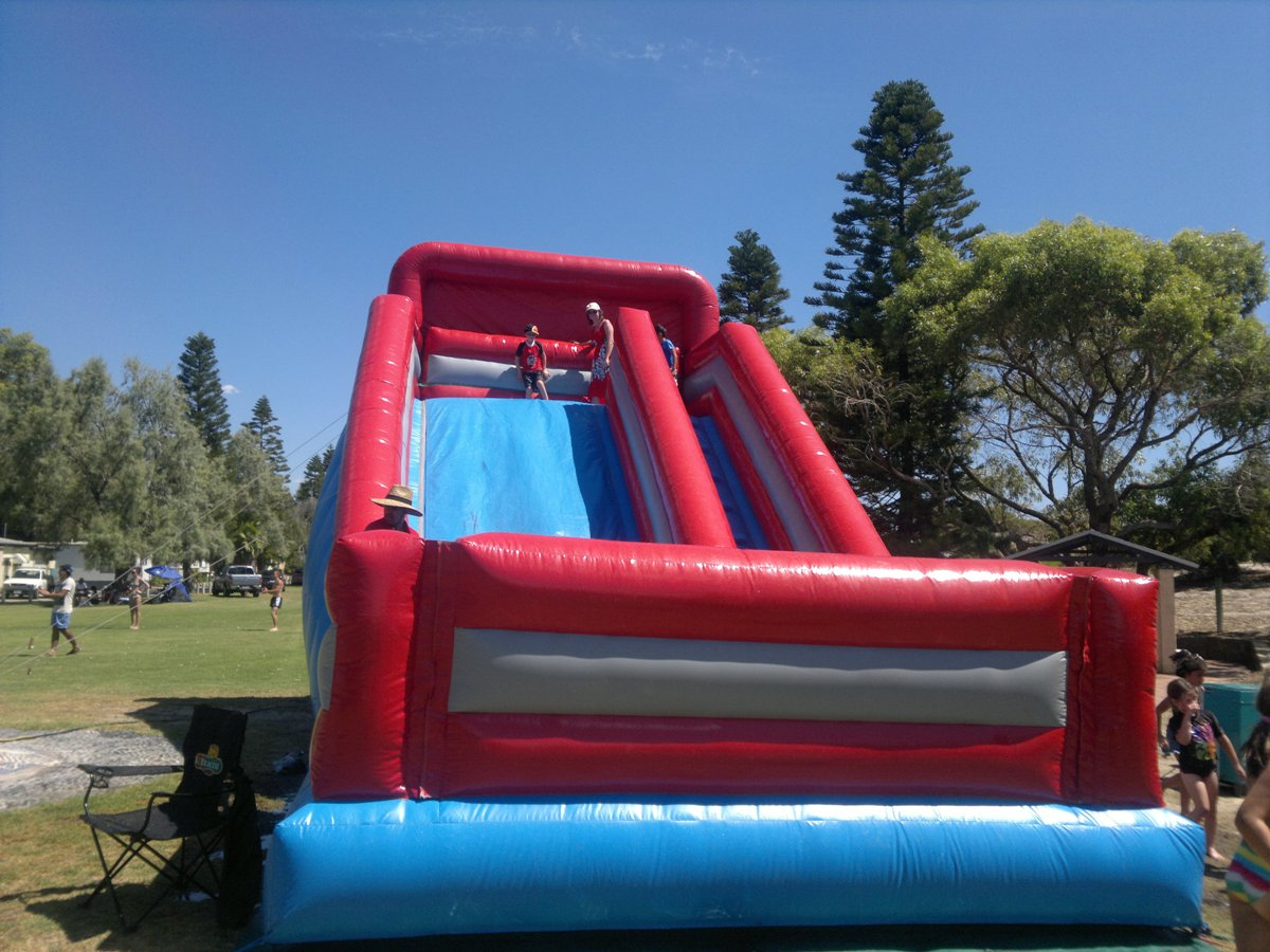 Giant Slide$495 (3 hour metro hire)Wet or Dry hire -