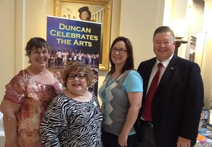 Duncan arts leaders with Rep. Johnson