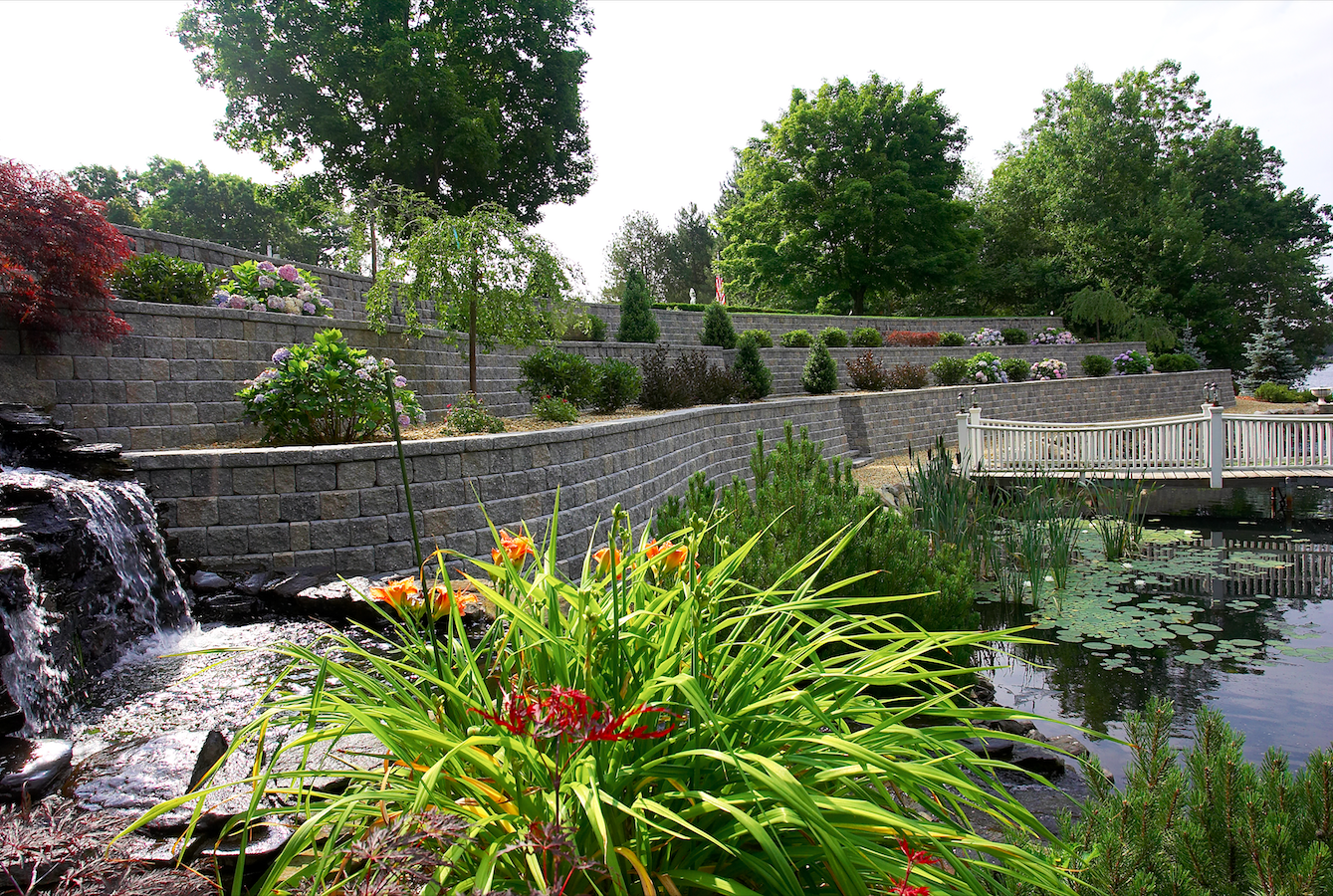 How to Style Your Westchester County, NY, Retaining Walls with Plants and Flowers