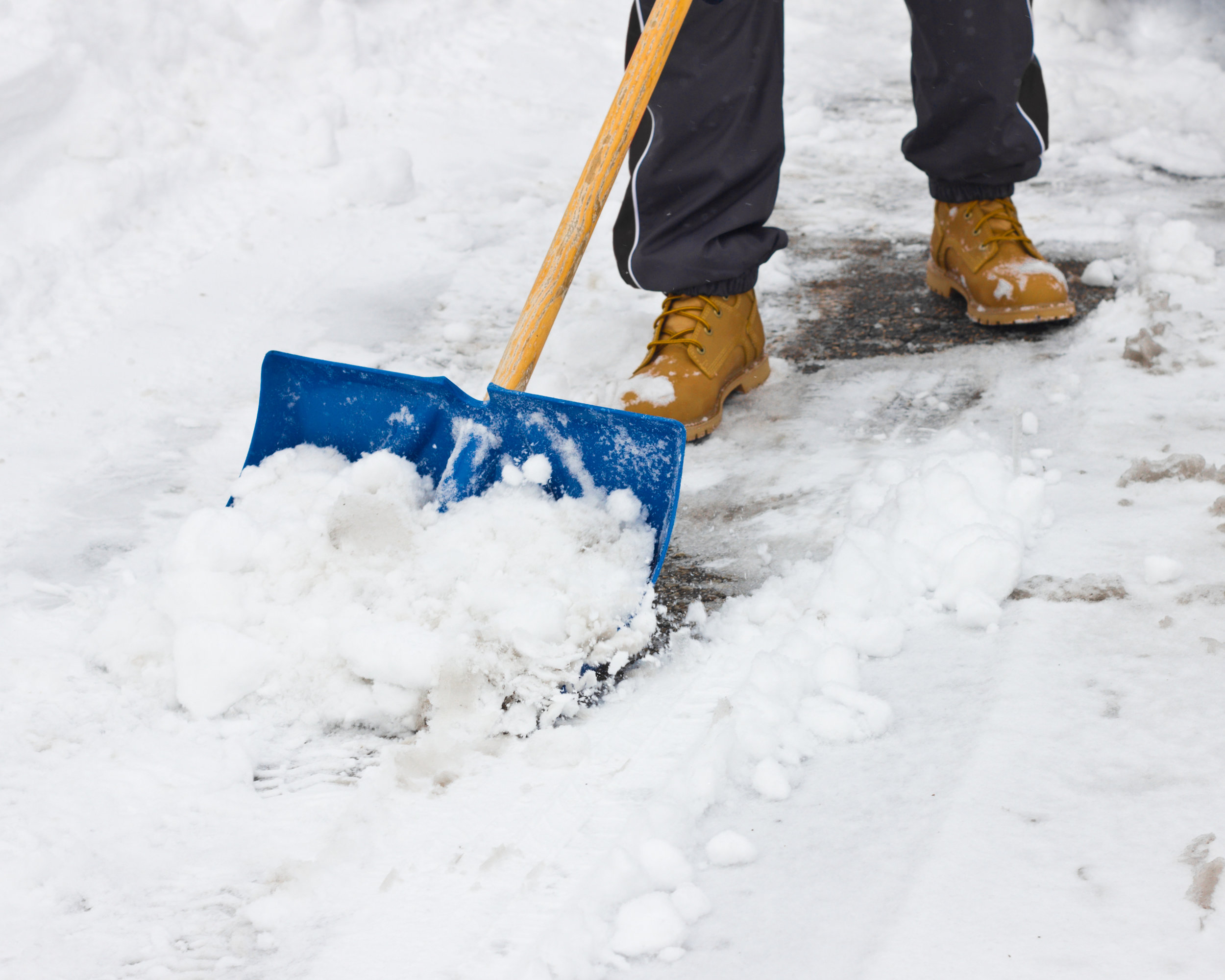 Commercial Snow Management in Westchester, NY: The Benefits of Deicing