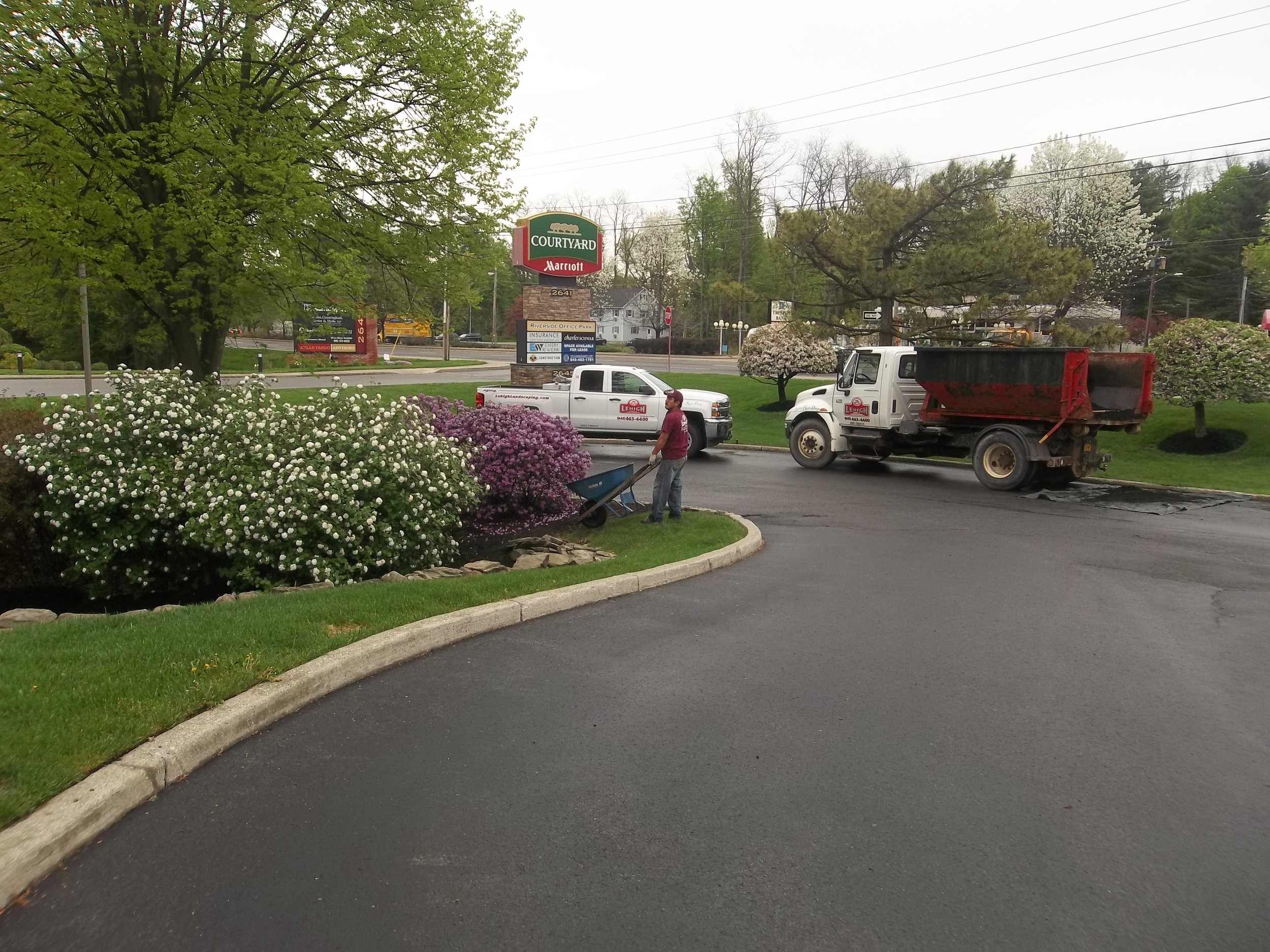 Commercial Landscaping Design Flaws That Westchester County, NY, Businesses Can Avoid by Hiring the Right Professionals
