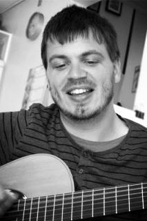Gorm Askjær - GUITAR | BAS | UKULELE |61 33 92 43SEND EN MAILWEBSITE▶︎ SE PROFIL