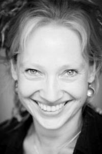 Connie PiilgaArd - NÅR STJERNERNE SYNGER | BABYRYTMIK TO-GO | RYTMIKFORLØB22 81 24 15Send en mail▶︎ Se profil