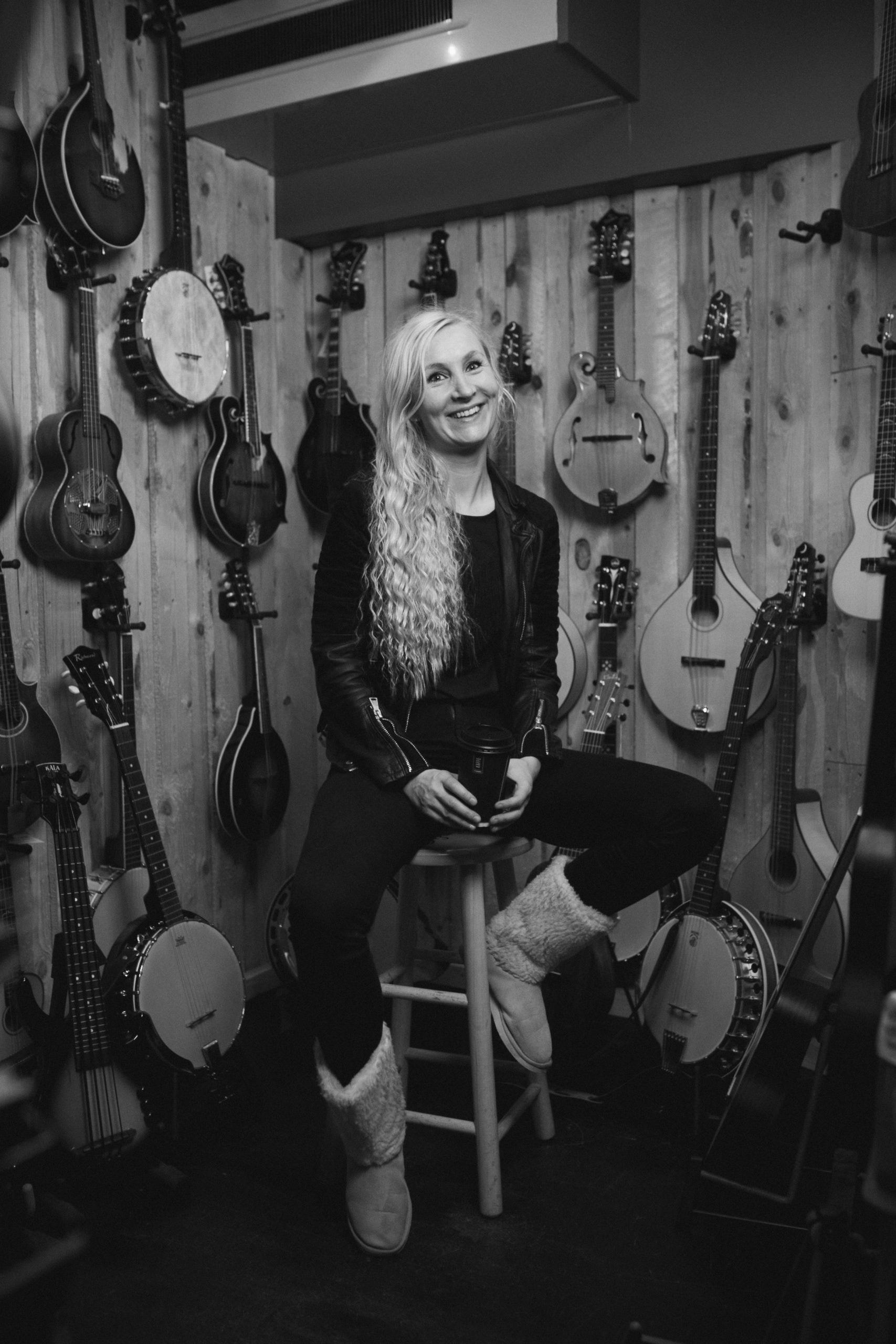 anna bentholm - Guitar | Ukulele | Sangskrivning | Babyrytmik to go | Sangskriverhold |27 59 66 89Send en mail▶︎ Se profil