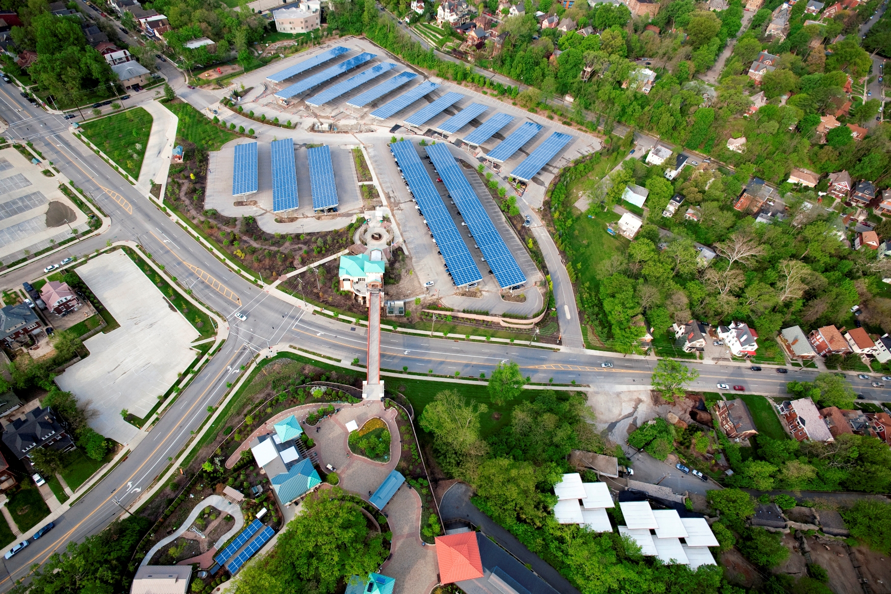 The Cincinnati Zoo & Botanical Garden began generating clean energy from a solar array   on top of the Zoo's Vine Street parking garage.