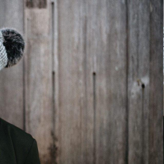 FW18 /UCLUELET the Toque in grey + black pom . Dream team: 💕 Model: @kristerentyeva  Photographer: @hennygraphy  Jewelry/Superfriend: @sarahmulderjewelry  Shops/Scenes: @thewreckageucluelet Ucluelet, BC . #makemorehappy  #MMHxME  #HAPPYxME