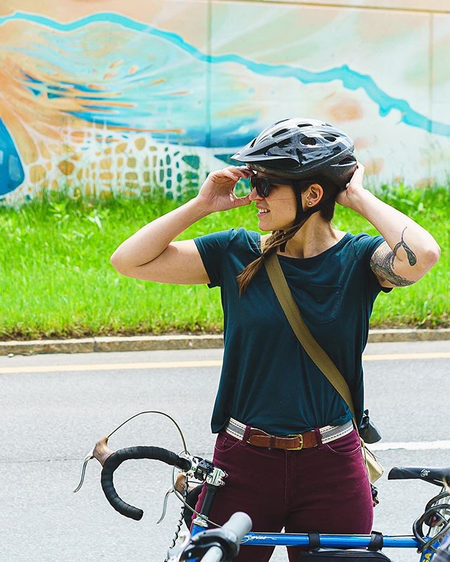 Thank you to @jamelmosely for capturing this moment and making me look way cooler than I actually am! This was last weekend at our first mural bike tour! Big thank you to @albanycentergallery @albanybarn @cdphpcycle @parkalbany and all of our wonderful participants for making it possible! . . . . . . . . . . . . . #contemporarypainting #abstractart #studioartist #contemporaryart #mural #albany #capitalwalls #publicart #bike #cycle #bikealbany #muralart #hudsonriver #518 #capitalregion #supportlocalart #supportlocalartists #studio #publicartwork #albanyny