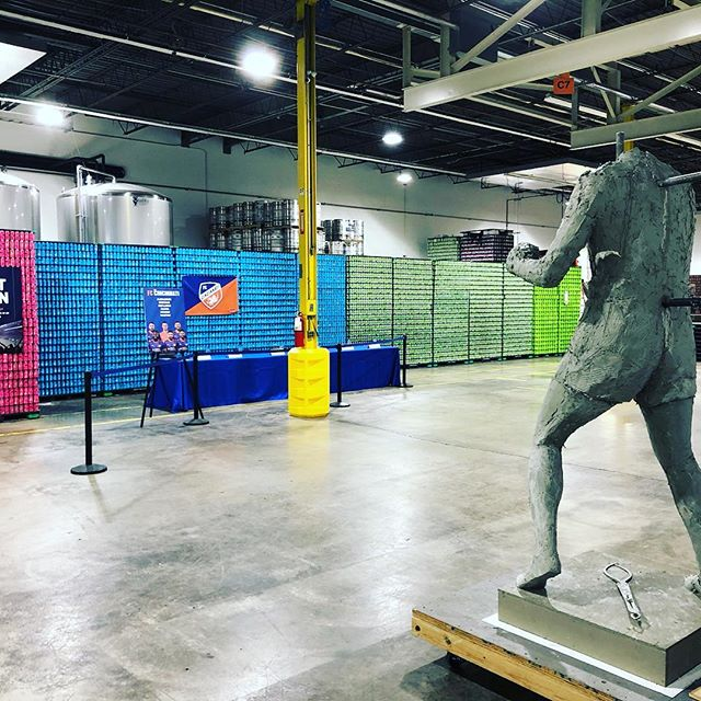 Look at the Ezz sculpture progress at Taft Ales House!  #webelieveinezz  #LOVEcincyparks #cincyparks  #Cincy  #Cinci  #Cincinnati  #513  #westendpride  #westend  #queencity  #parks  #ezz  #ezzardcharles  #boxing  #boxingheads  #boxinglegend  #thecincinnaticobra  #cincinnaticobra  #boxinglegacy  #statue  #sculpture  #community  #nonprofit  #designboom  #boxing  #boxer  #donate  #crowdfunding  #ohiofindithere  #ohio  @believeinezz  @cincinnati_parks_foundation  @Cincyparks  @wehavebecomeviking