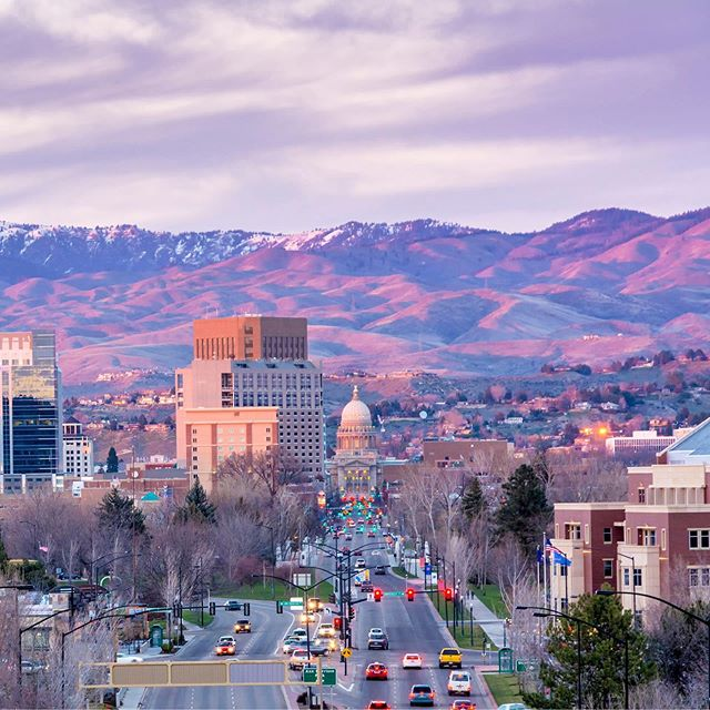 I am moving back to Boise.  I have accepted a job and will be moving in a couple weeks. This all has happened very fast and I'm excited to start this new chapter. I will miss all my Seattle friends but I am only a text away and will visit often. ❤️