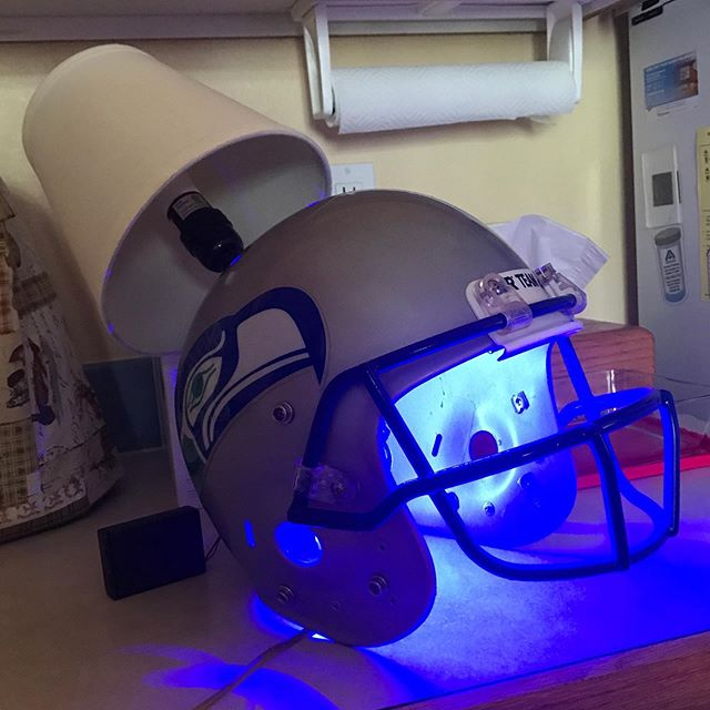 Football helmet: $4 Old Lamp: $2 Paint: $8 Football helmet lamp: Priceless  I like having a garage again :) Scroll right for process  #Seattle #Seahawks #upcycle #lamp #thriftstorefinds