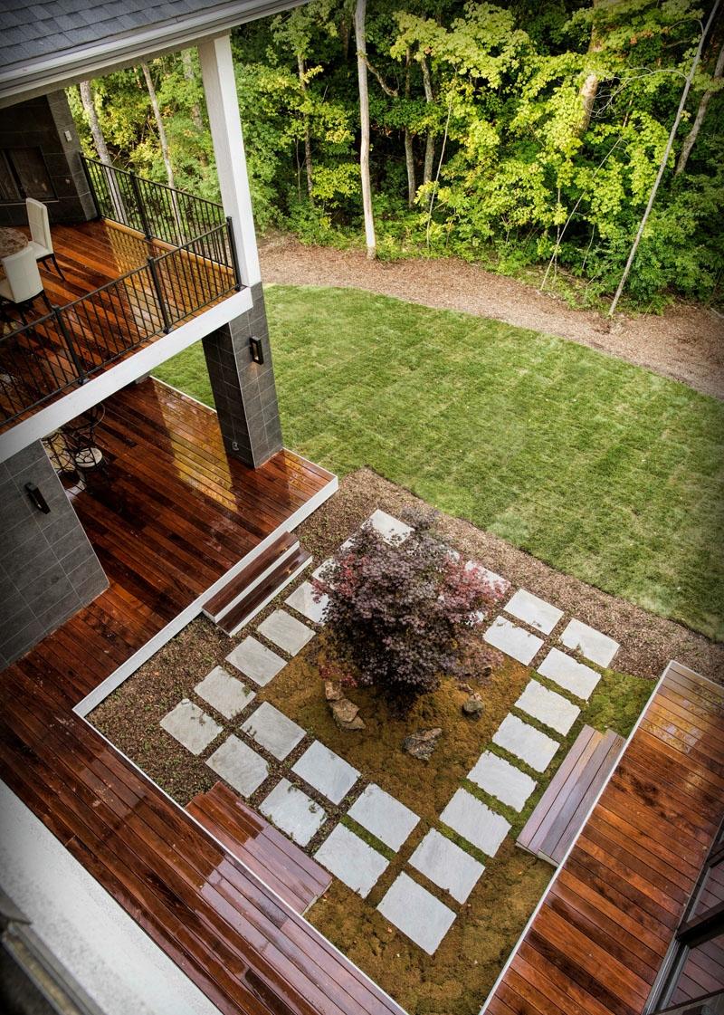 Springboro Modern - Courtyard.jpg