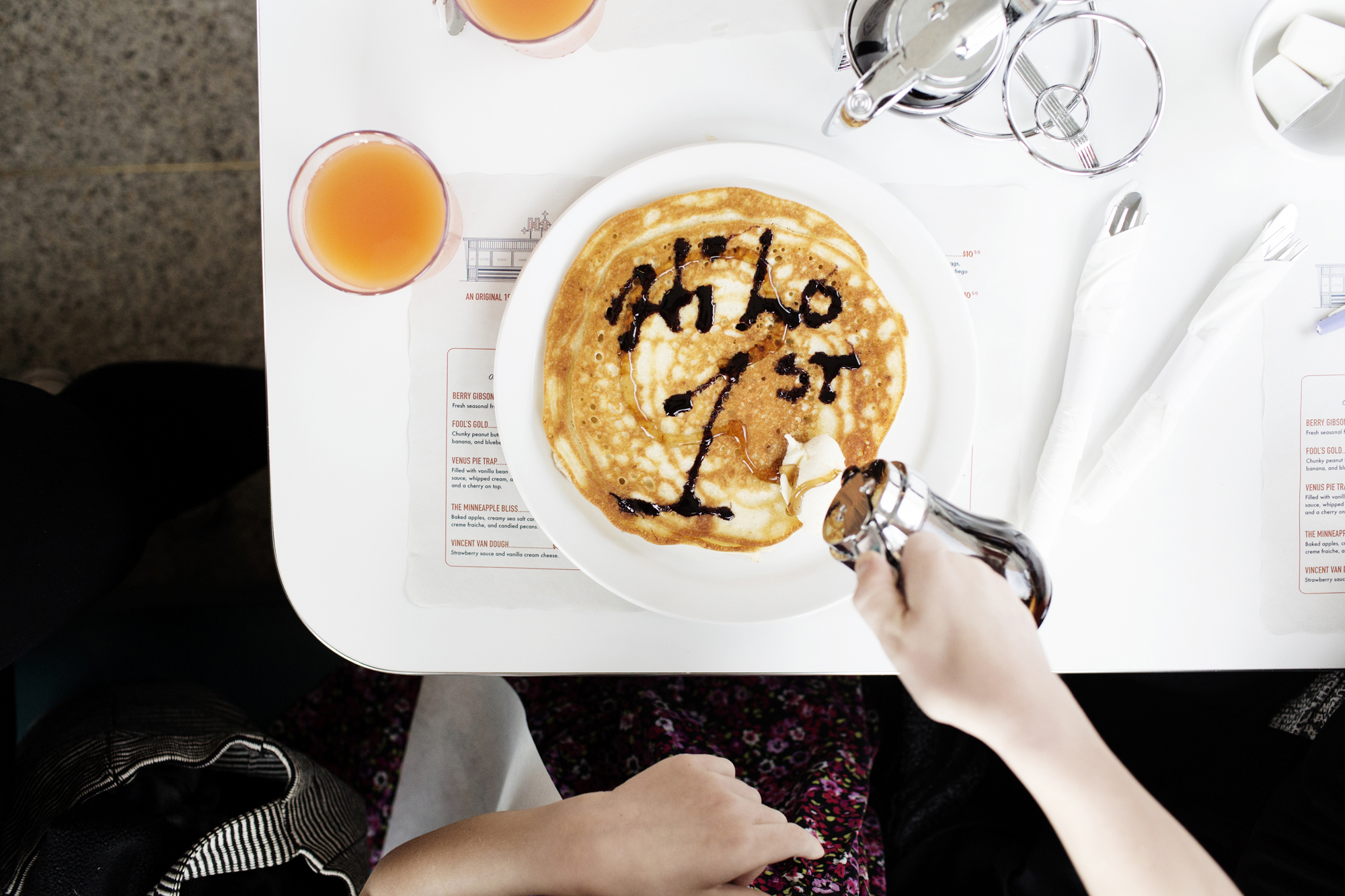 Drizzling syrup on pancakes | Hi-Lo Diner | The Restaurant Project
