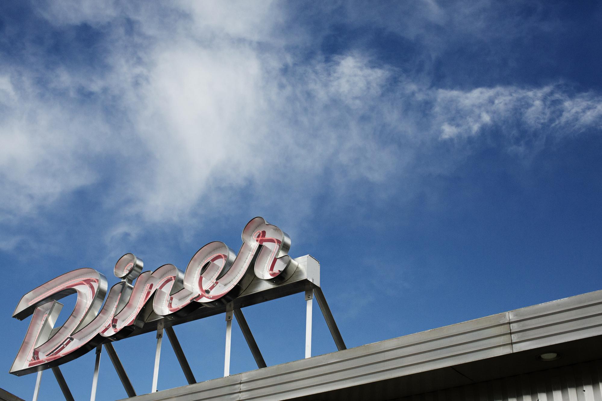 Diner sign | Hi-Lo Diner | The Restaurant Project