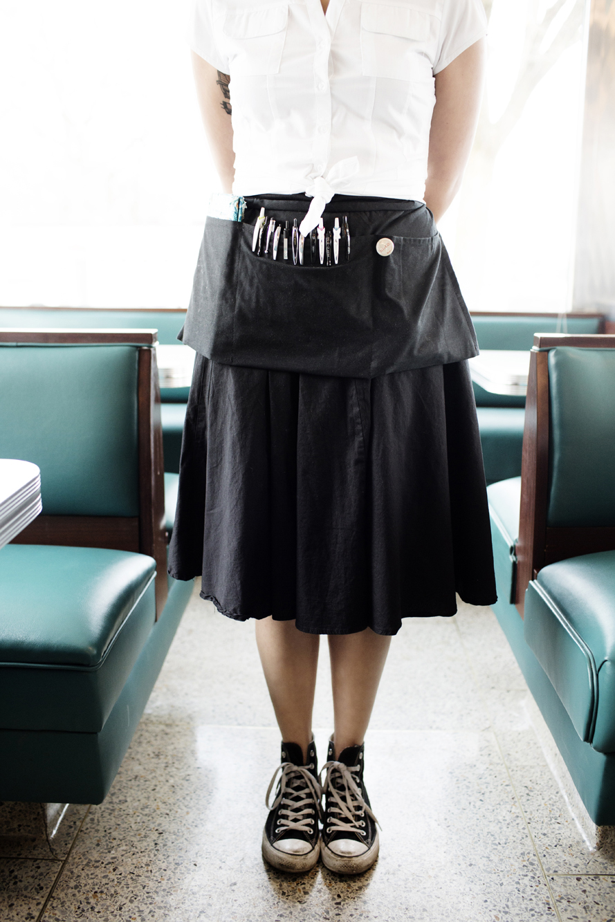 A server at Hi-Lo Diner | The Restaurant Project