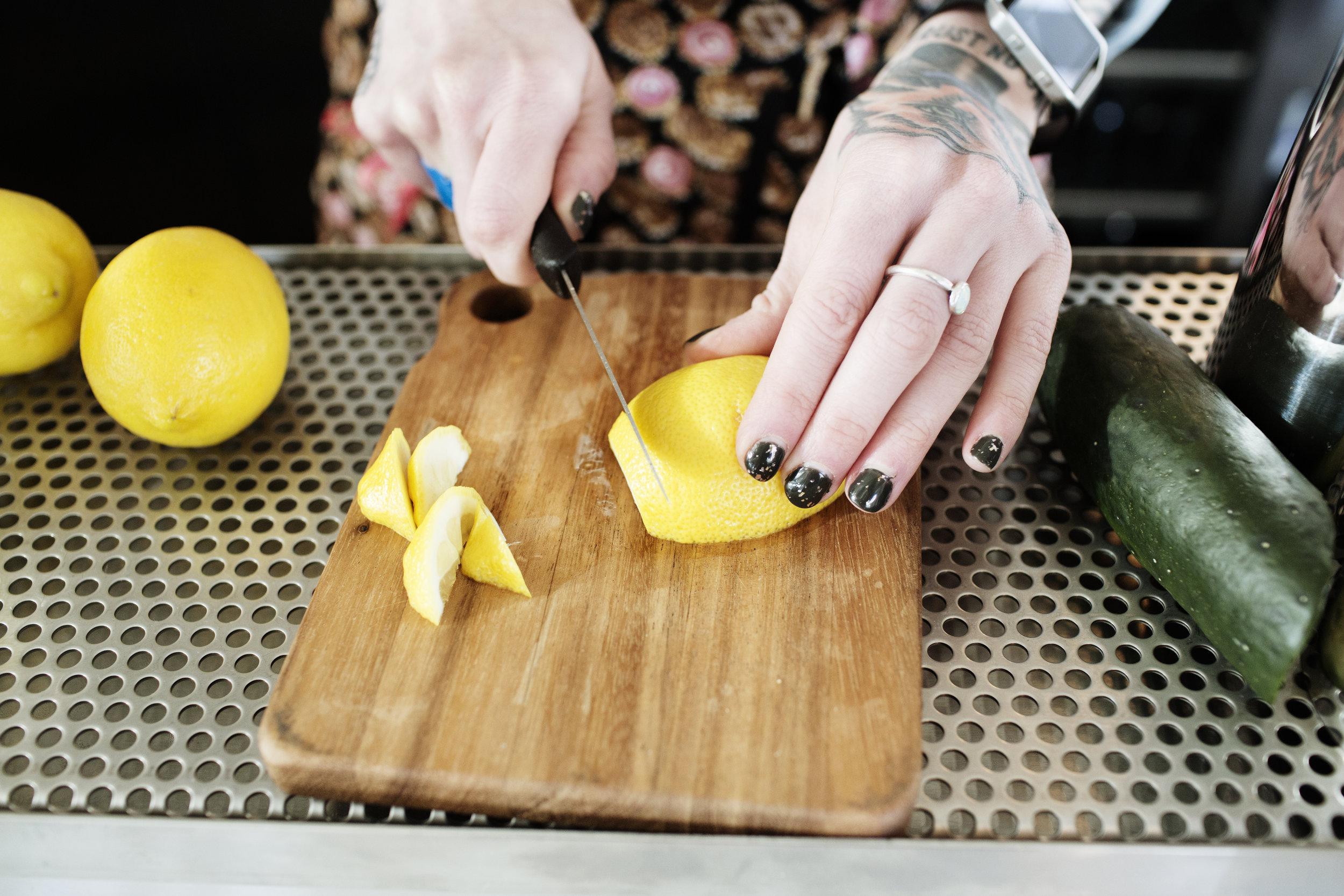 Slicing lemon | Hi-Lo Diner | The Restaurant Project