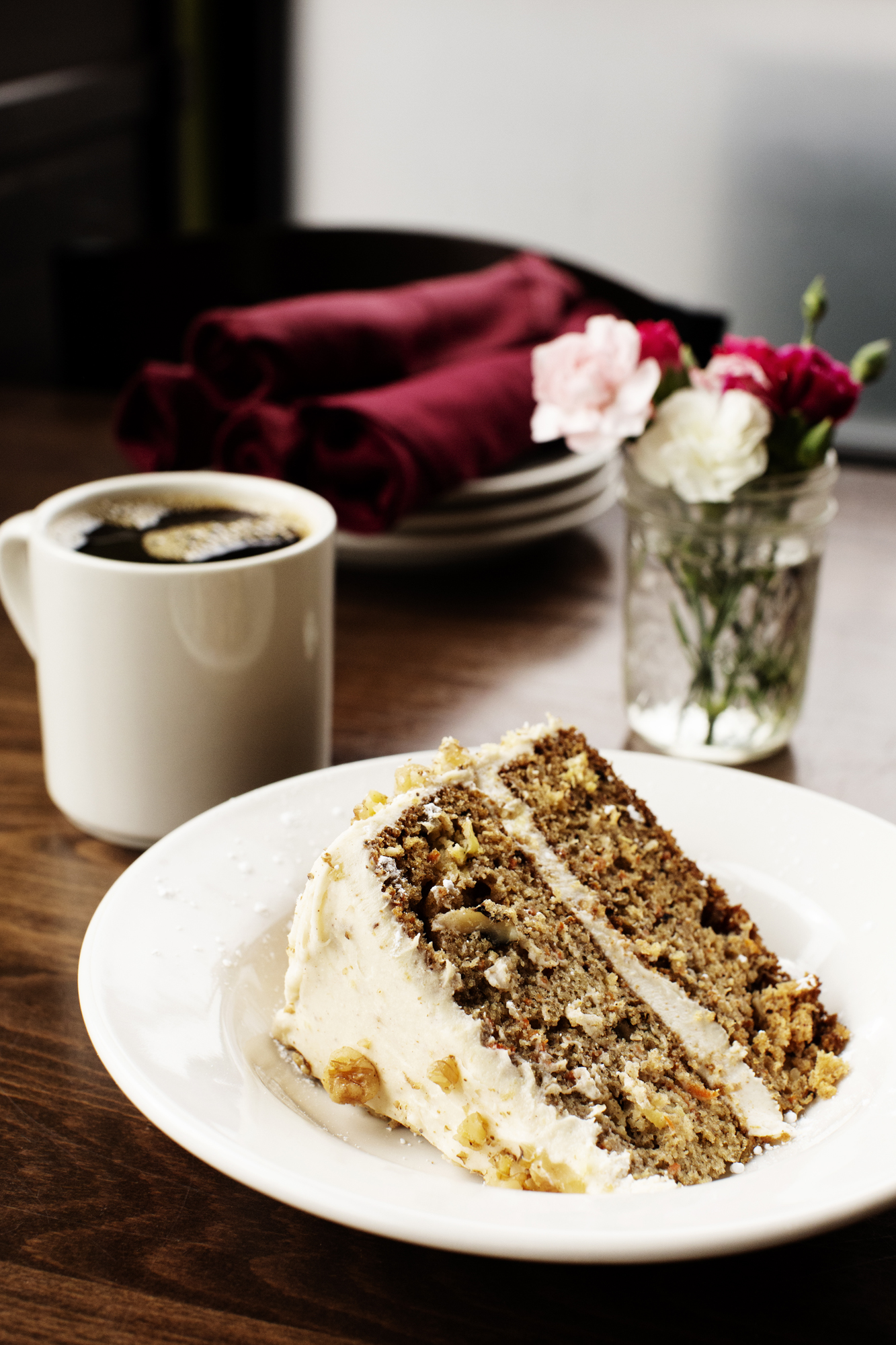 A slice of carrot cake and coffee | Pizza Lucé | The Restaurant Project