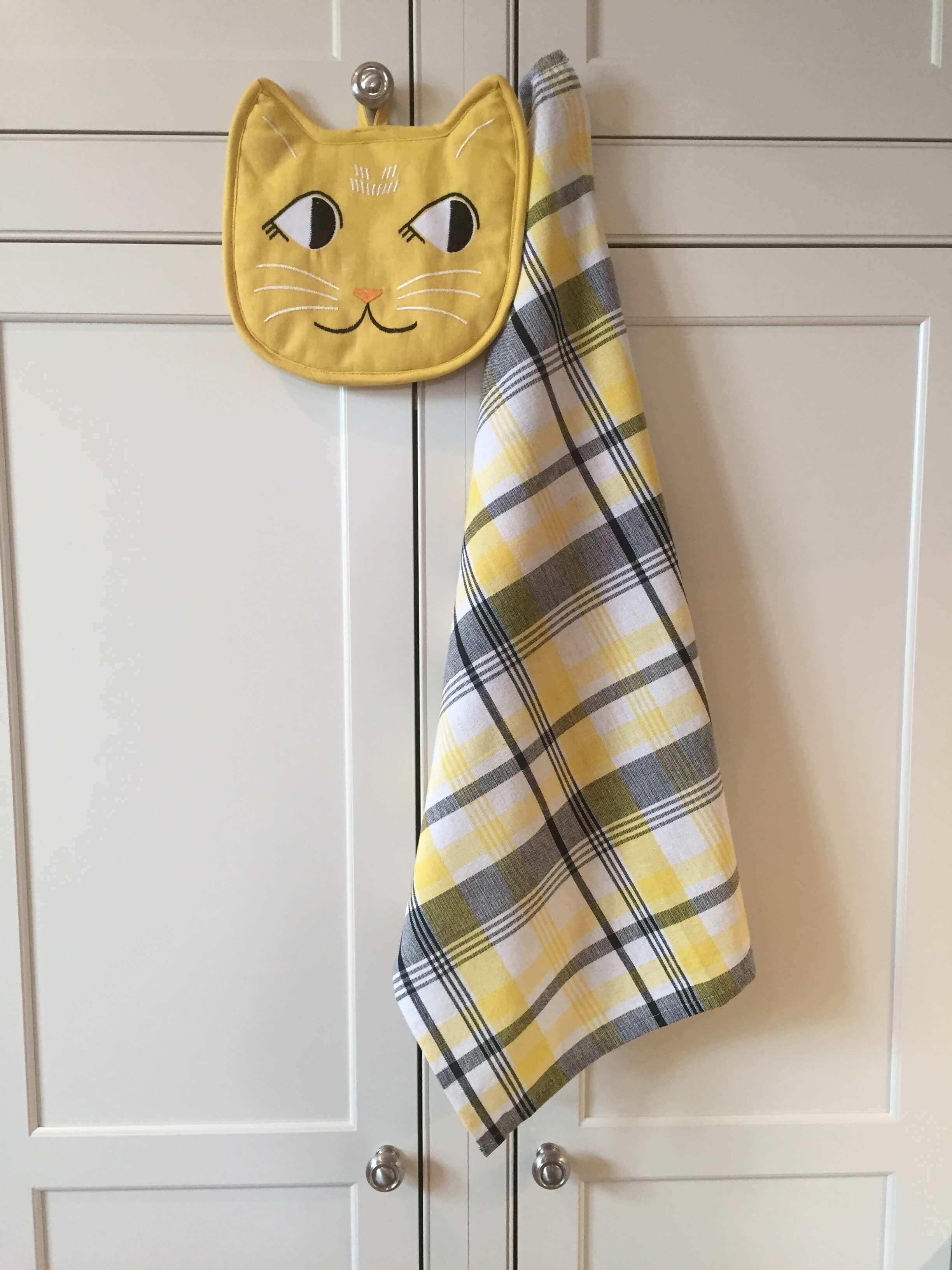Cat Face Hot Mitt-Dish Towel.JPG