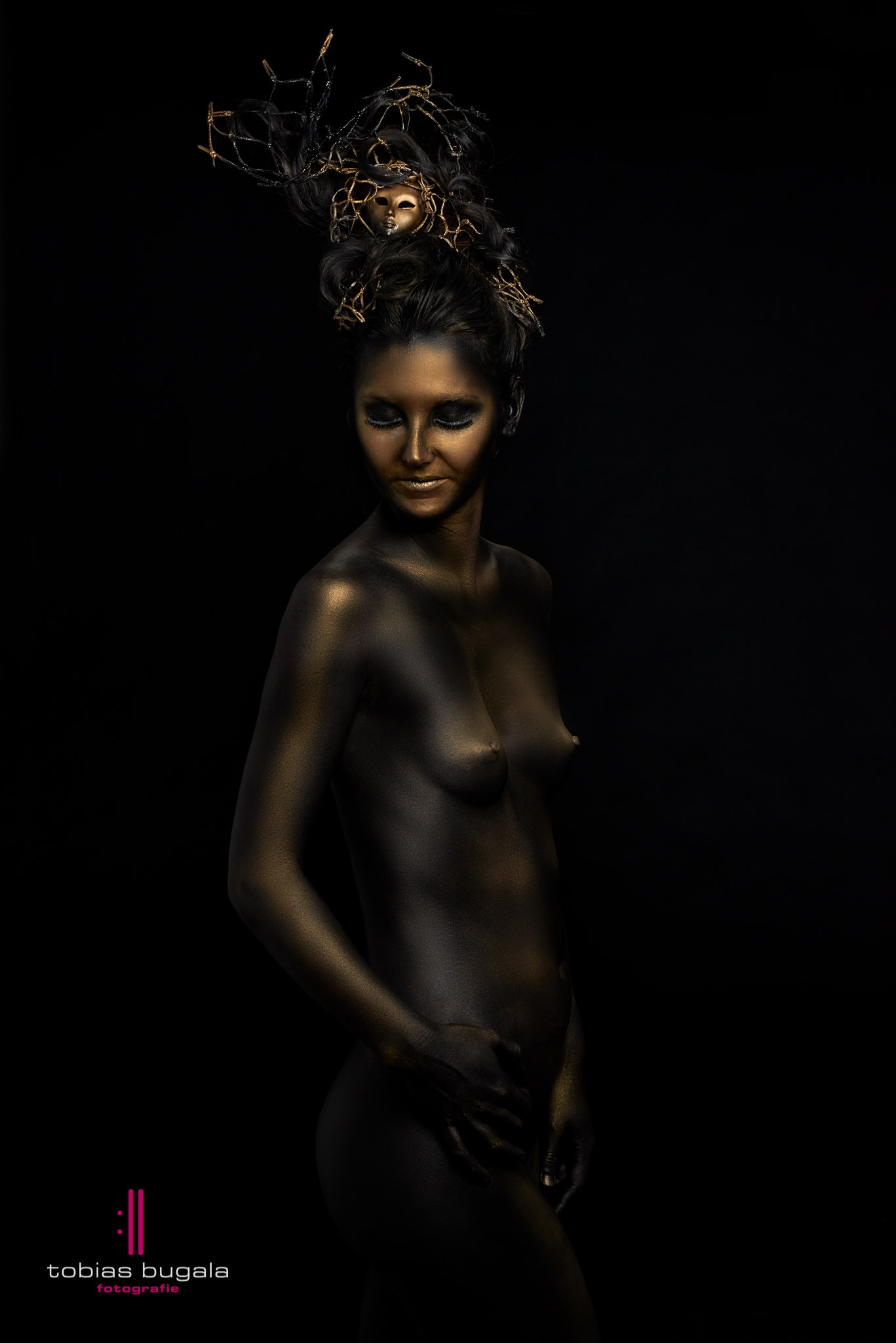 Bodypaint Black and Gold