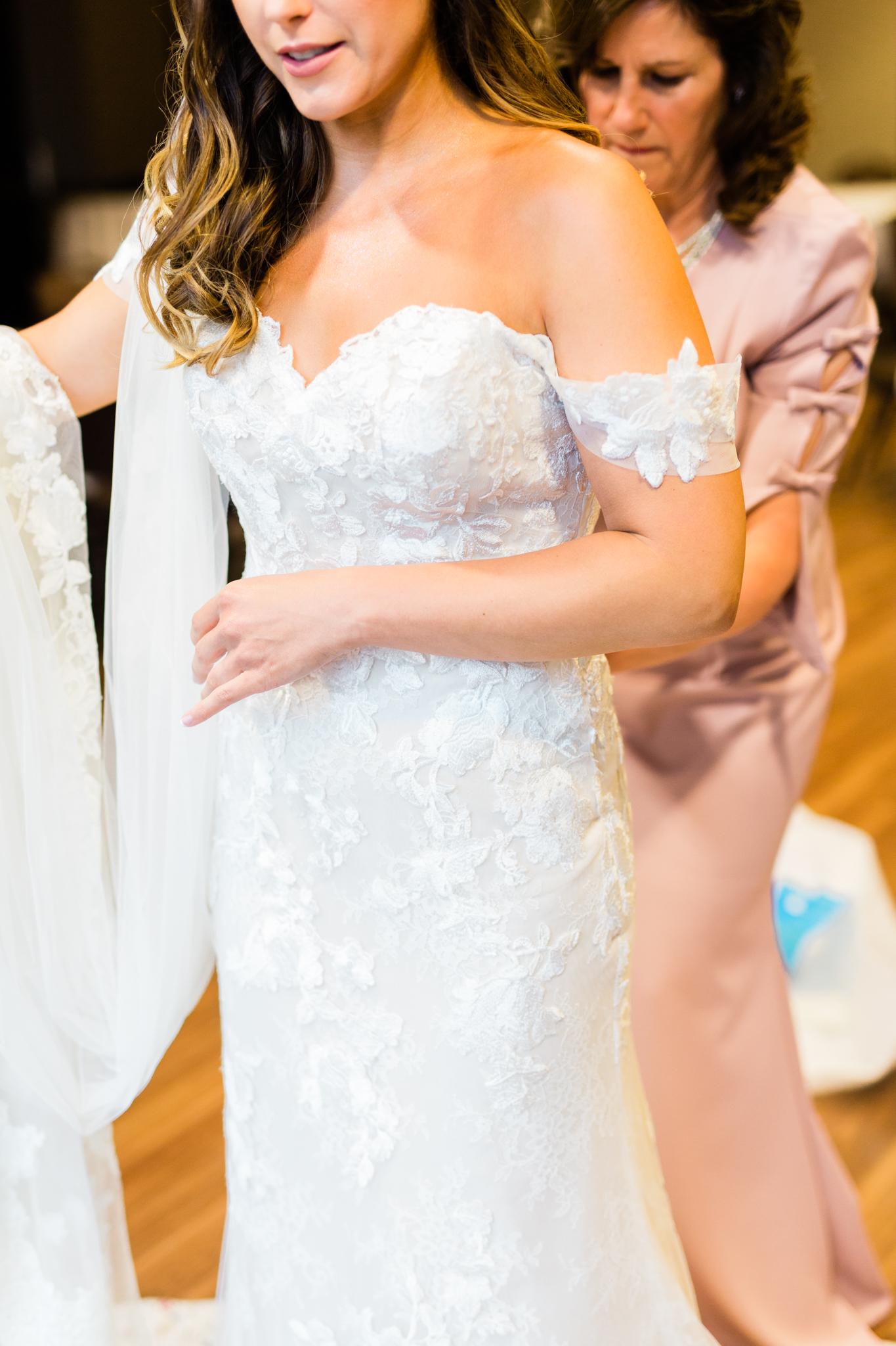 07-Katrina-Kyle-Jefferson-Inn-Wisconsin-Bride-James-Stokes-Photography.jpg