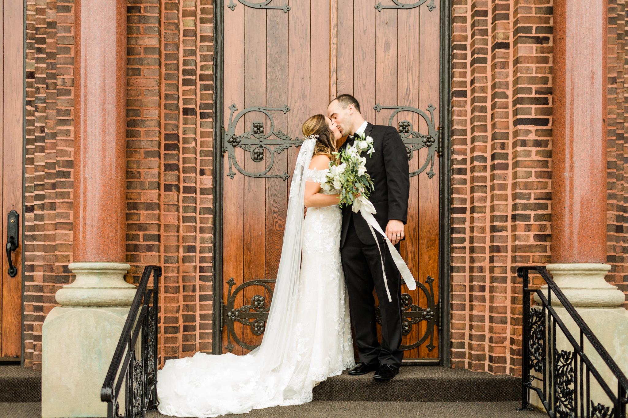 26-Katrina-Kyle-Jefferson-Inn-Wisconsin-Bride-James-Stokes-Photography.jpg