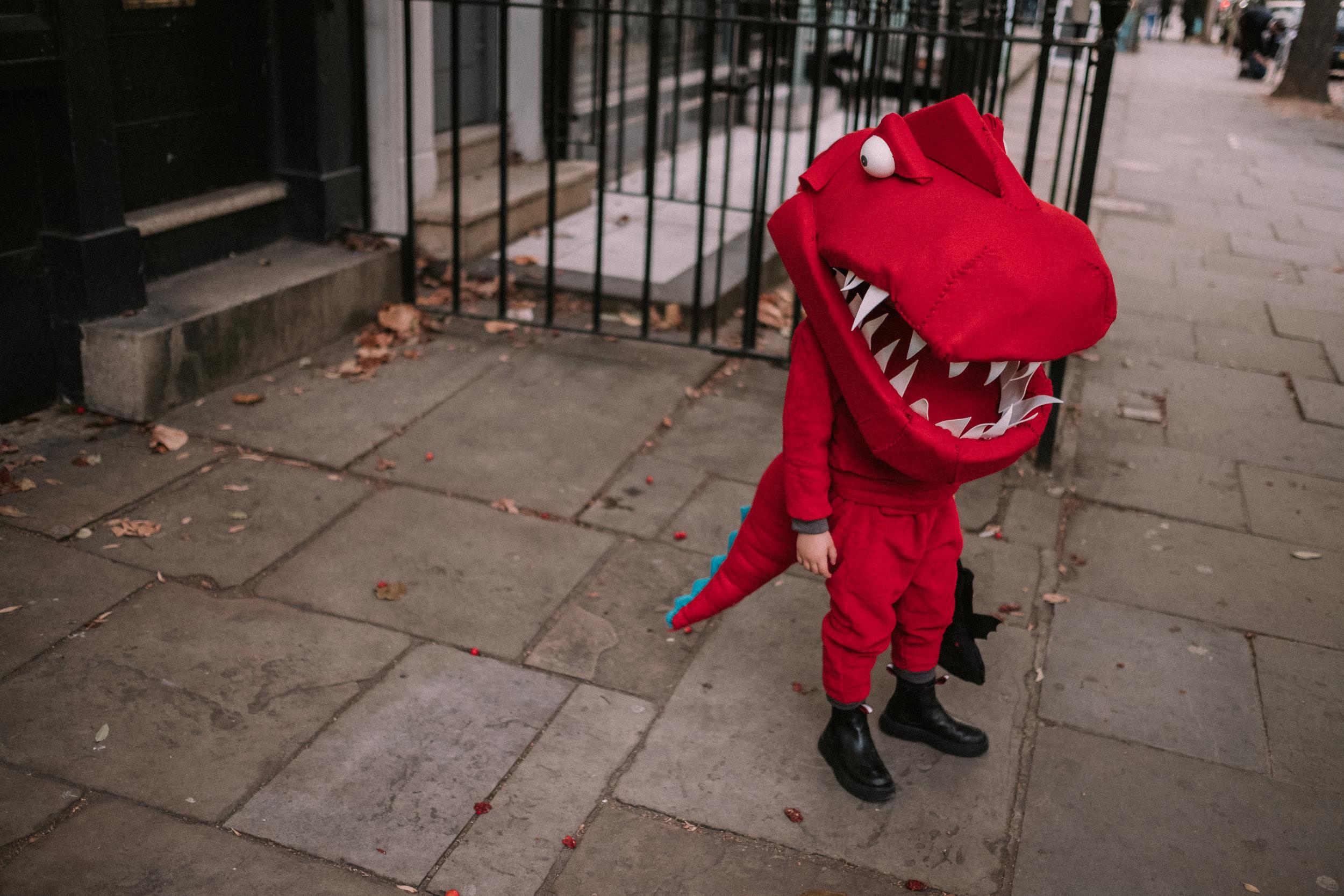 HalloweenDinosaurCostume-11.jpg