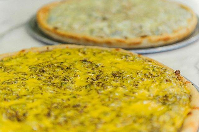 A speciality pie is the apple of our eye!  #DiFarinaPizzaria #italianfood #italian #yummy #pasta #pizza #dinner #lunch #NJ #Cranford #ScotchPlains #Fanwood #Garwood #Clark #NewJersey