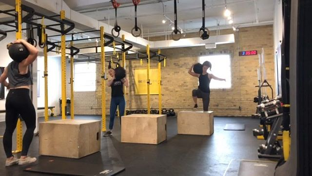 Sometimes these two actually humour me and just do a 'conditioning' day. . . Video 1, a little @fueltrainingclub inspiration.  21-15-9 Step ups Over the shoulders Deck Squats (pistol variation) . . Video 2, 8 minutes of Get Ups and Swings. Two of our favourite things. . . Video 3, there isn't one. But we finished with a 45 min Snowga class. (Jamie Snow Yoga ❄️ 🧘🏼♀️... get it 💁🏼♀️lol) . . #saturday #playday #sweatysmiles #GNstrengthseries #mindfulon #thesweatlifeto  @sylvietetrault 👩🏻🦰❤️ @jehn13 👩🏻❤️