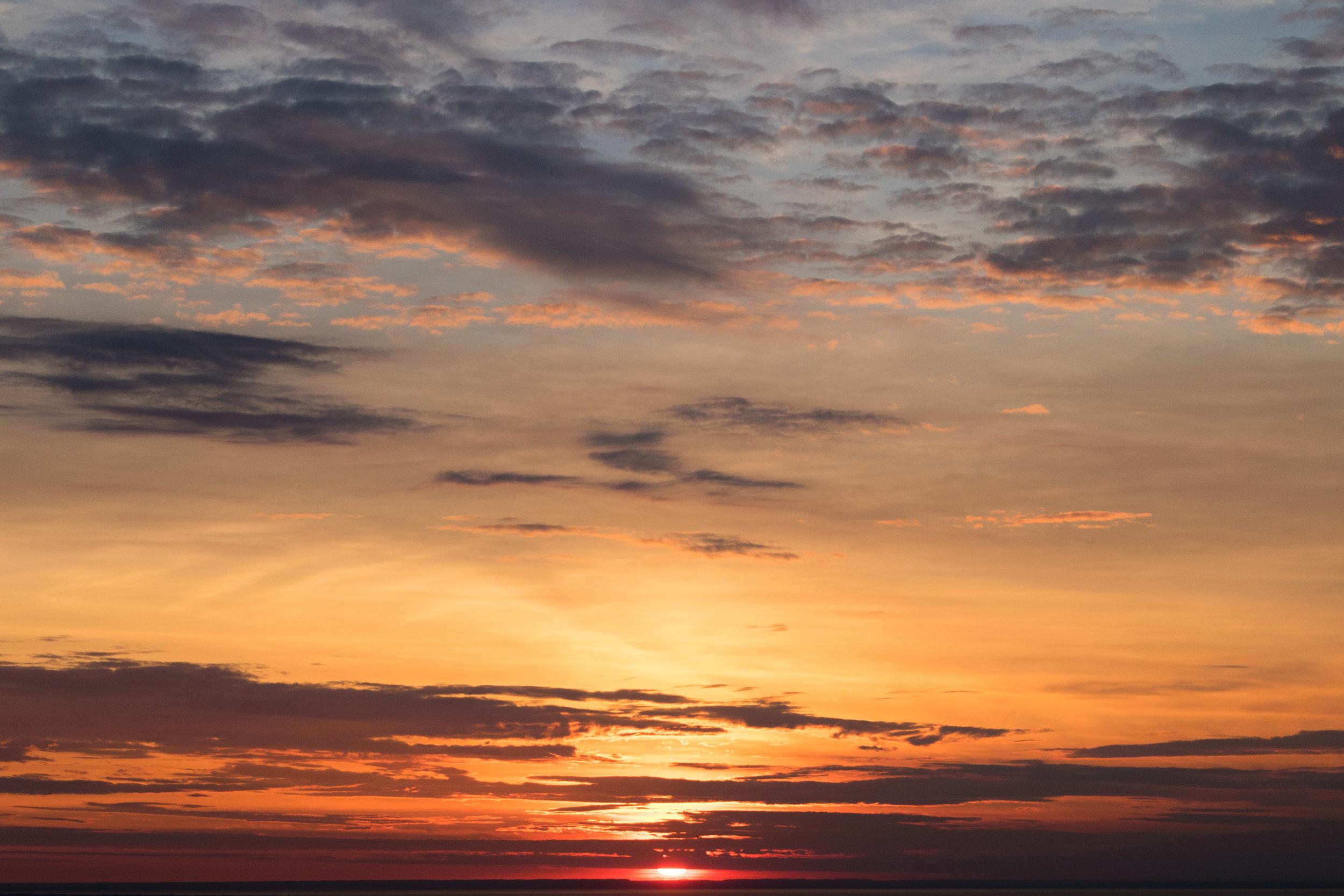 Sunset-Over-Lake-Ontario-Niagara-Falls-Canada-Photography